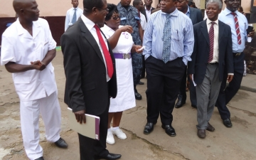 A dep. minister for health visits Accra Psychiatric Hospital_4