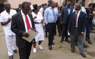 A dep. minister for health visits Accra Psychiatric Hospital_5